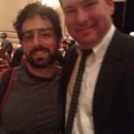 Sergey Brin, cofundador de Google y responsable del laboratorio Google X, con las gafas de realidad aumentada.